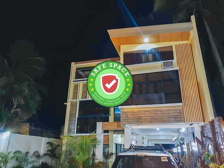 366 RedDoorz @ Villa Beach Iloilo