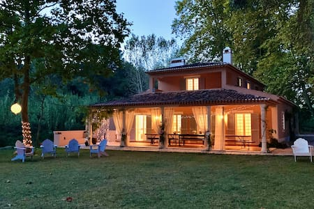 Beautiful Country Villa w/ Prvt Pool, Garden & BBQ