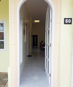 Front door, 90 cm / 35 in wide, low treshold.