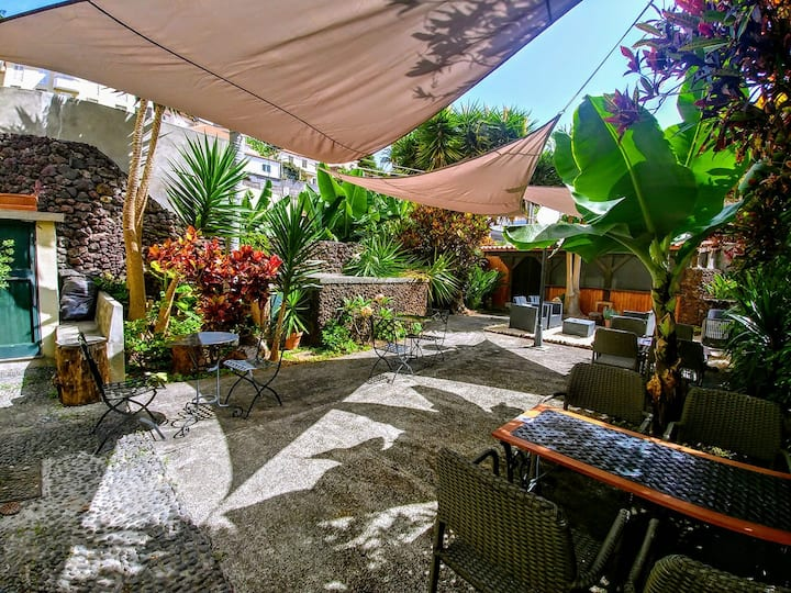 Equipped studio with garden view in Funchal