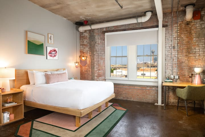 Canvas Hotel Dallas, Loft King