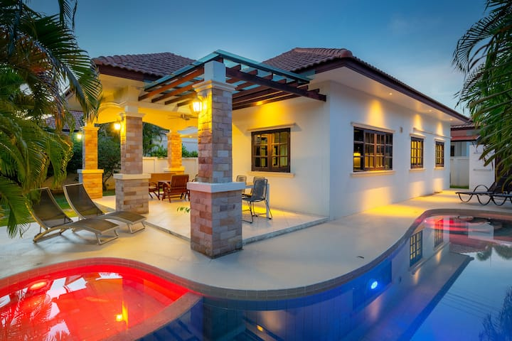 House with privat  pool and garden OPV 05