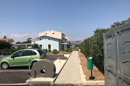 Camminamento pedonale per accesso alle abitazioni