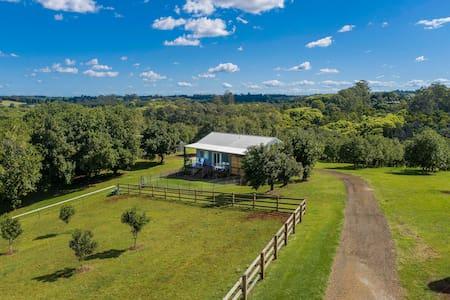 Byron Hinterland – Macacino Farm Cottage, Corndale