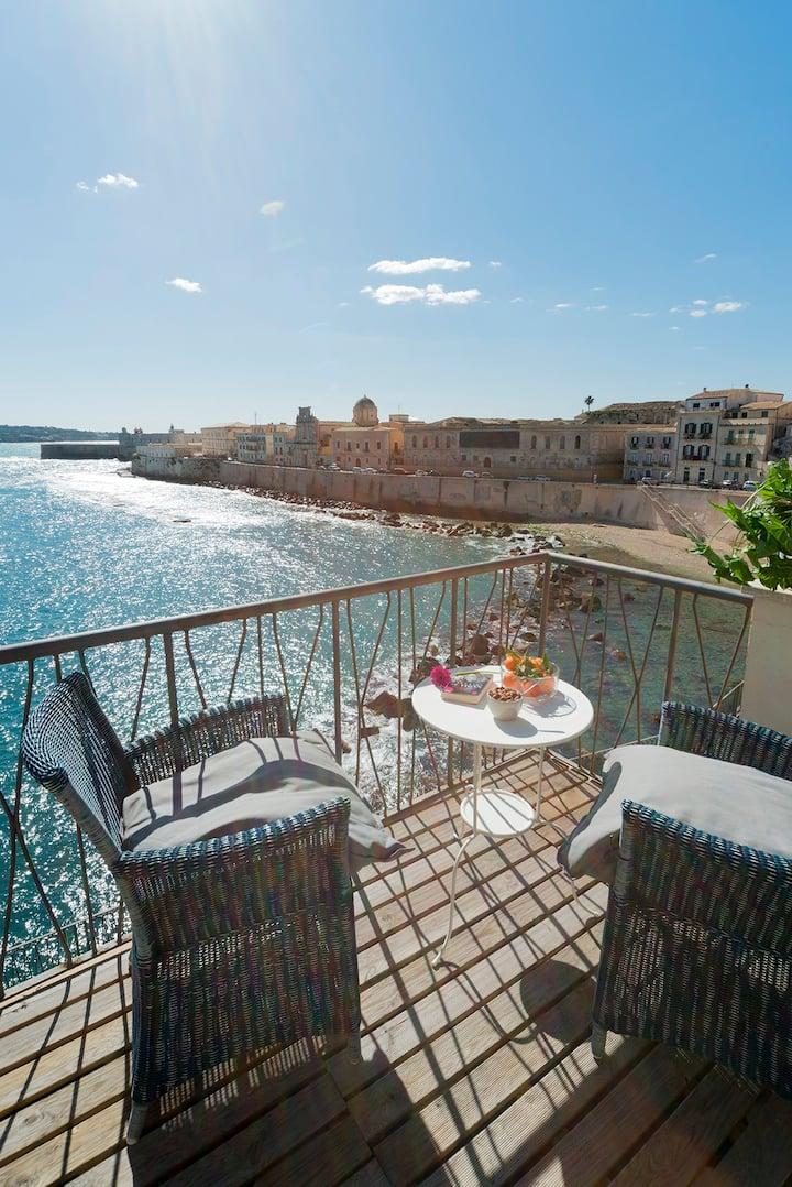 Ortigia suite terrace seafront