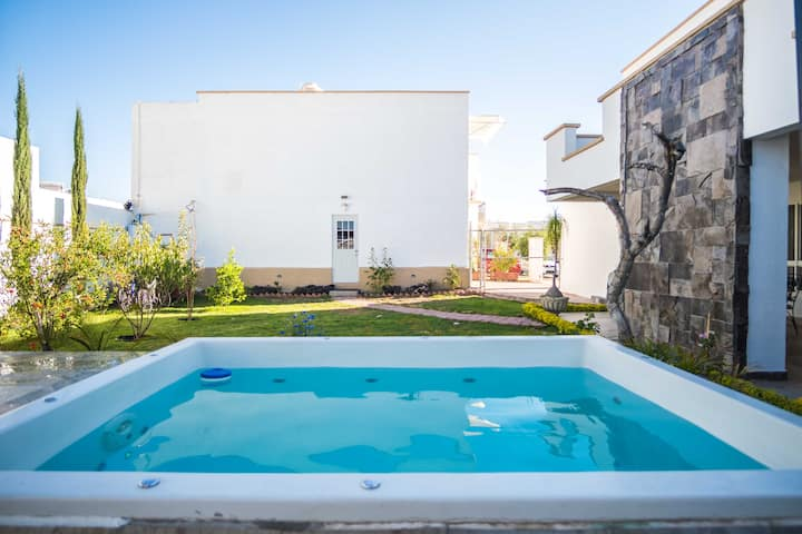 Home w/ private 2m x 3m pool, 5 rooms, terrace