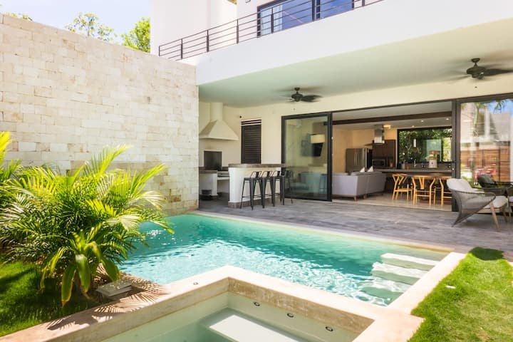 ☀Amates |Modern & Spacious 4BR Villa With Jacuzzi☀