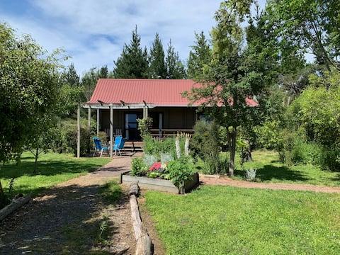 The Cottage at Whites Farm