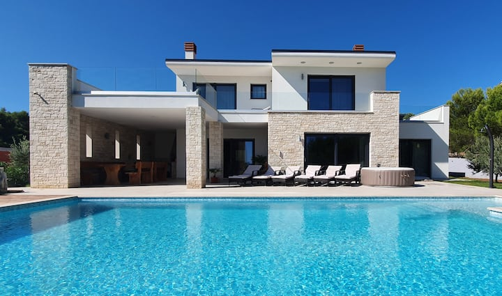New Villa Marlera with private infinity pool