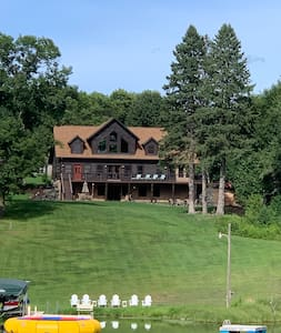 White Tail Lodge; a Perfect Large Family Getaway!