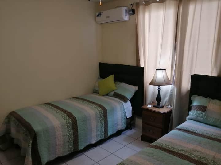 Apartamento 6AVE #4 Contiguo a Pollo Hondureño