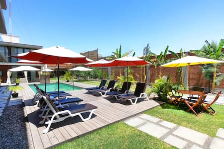 Poolside Apartment 5 minutes from Huacachina
