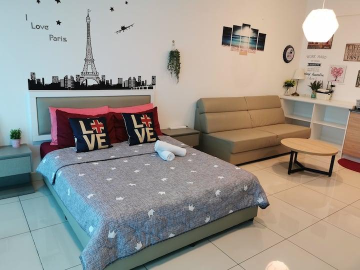 Romance Studio @Evo Soho Bangi with WIFI & Netflix