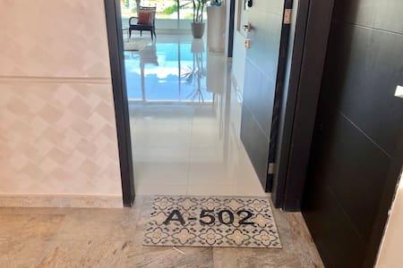 El acceso al departamento no tiene nada que impida el acceso en silla.