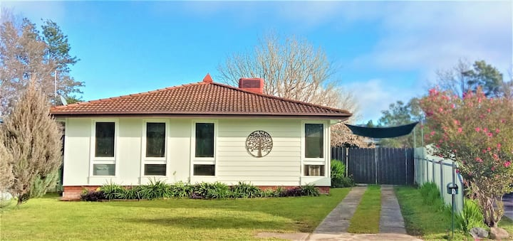⭐Roo Cottage⭐ Great Stopover★ Pets★Large Backyard★