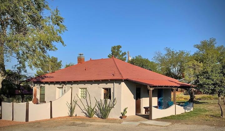 El Viejo Adobe - Across from Sul Ross campus!