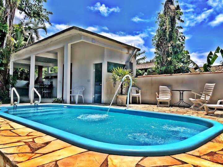 Frade - Bela  casa com piscina para 12 pessoas