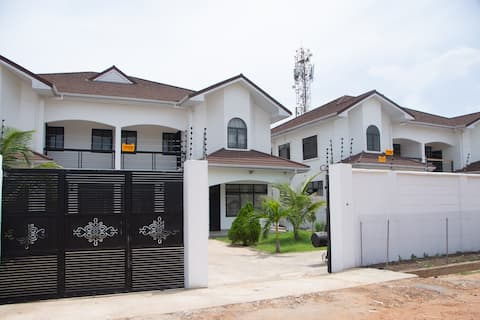 Amani House - Kings Avenue Tema Community 25