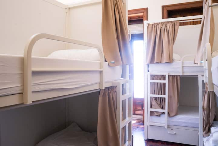 BED IN 10 BED MIXED DORM Sant Jordi Hostels