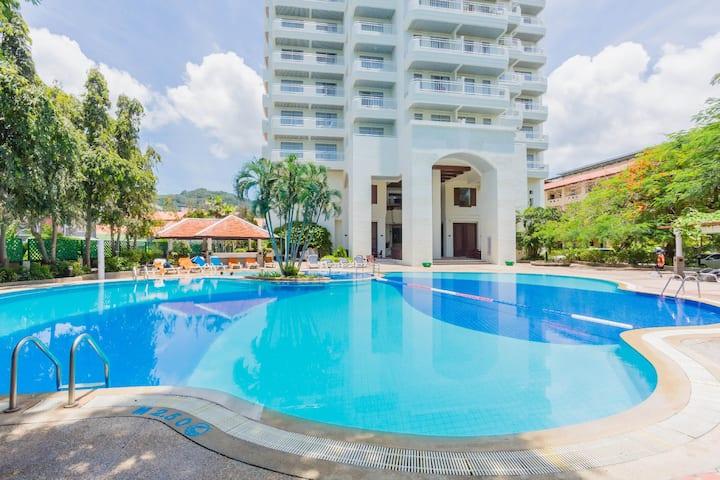 Spacious sea view apartment! Karon Beach Front!