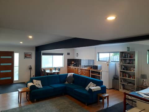Goldfields Studio Apartment- Beaconsfield-Tasmania