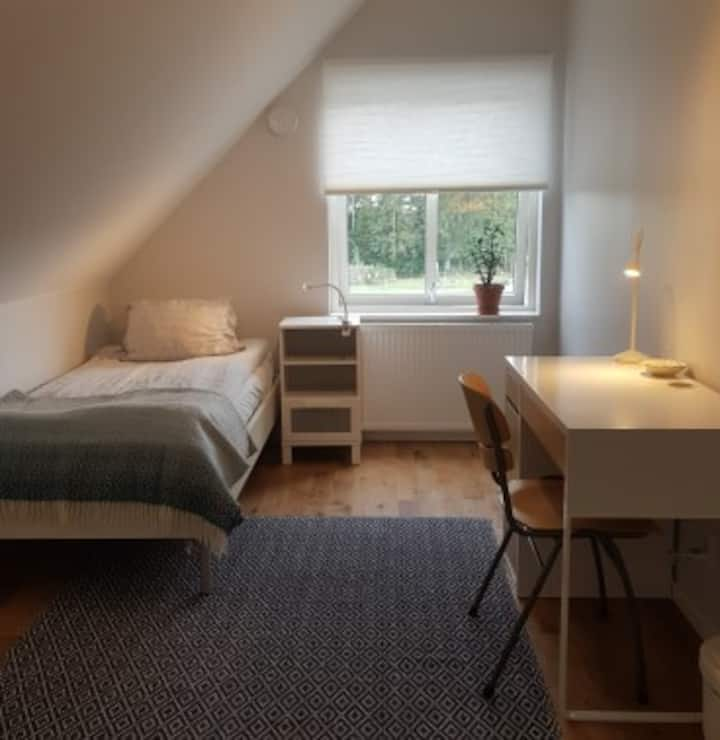 Singleroom No 1  in a new house 9 km from Lund C