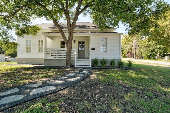 Last House on Church Street (Lockhart, TX)