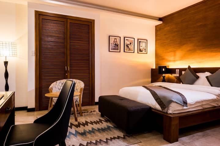 Studio A - Queen Bed