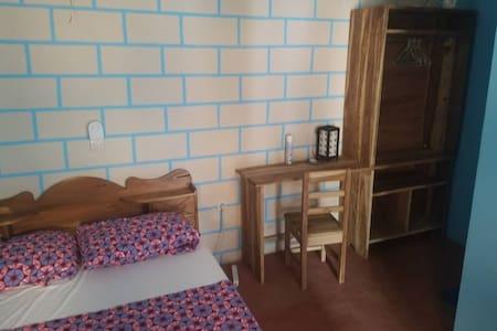 Tout neuf : chambre + salle d'eau ventilé, calme