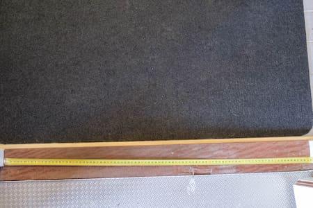 Oviaukosta mahtuu vähintään 84 cm leveydeltä kulkemaan.