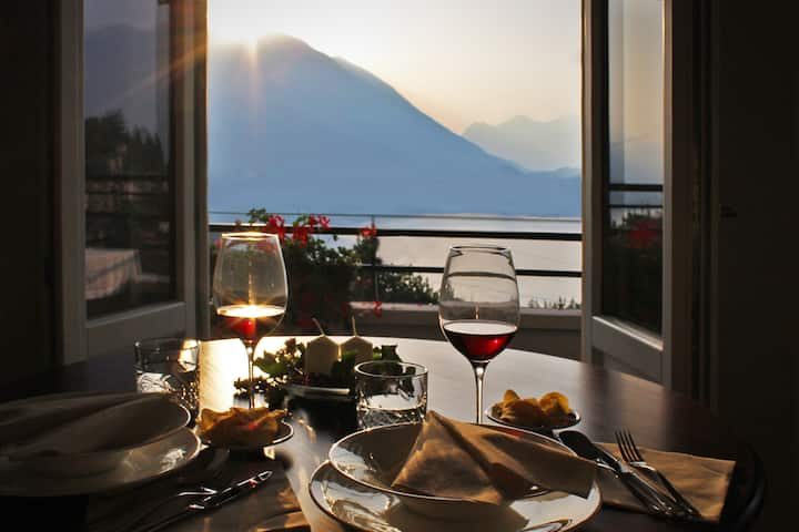 "Lake Como Panoramic View - ""Bluelake"" Apartment"