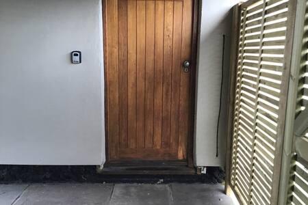 Door is 90cm wide.