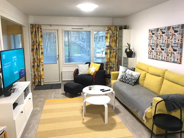 Kaunis kaksio keskustassa/Nice city apartment