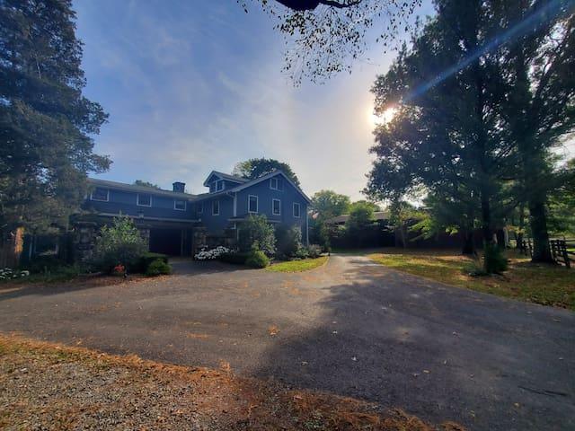 Ramshead Farm, Stunning Carriage House Rental