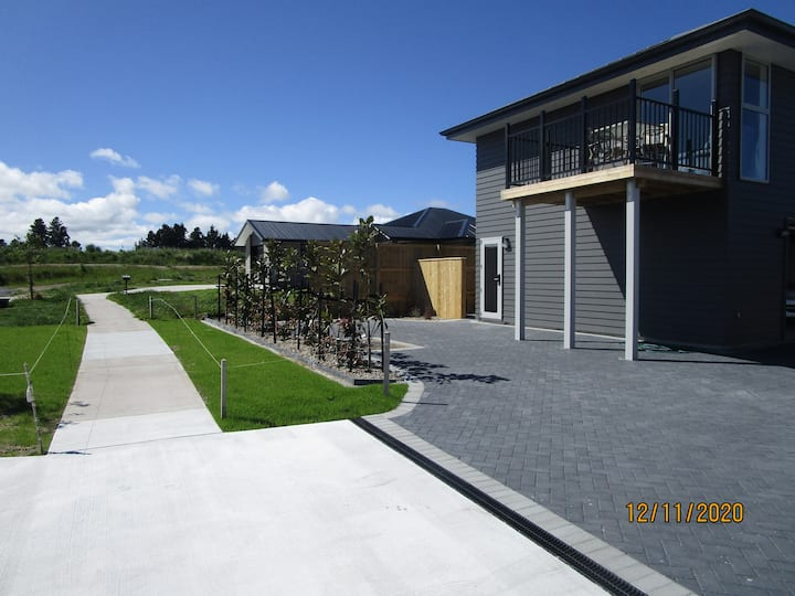 Brand New Luxury Taupo View Loft With Lake Views