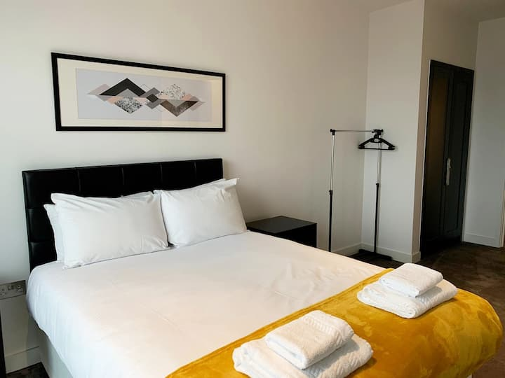 ⭐️Room with Private Bathroom in Canary Wharf