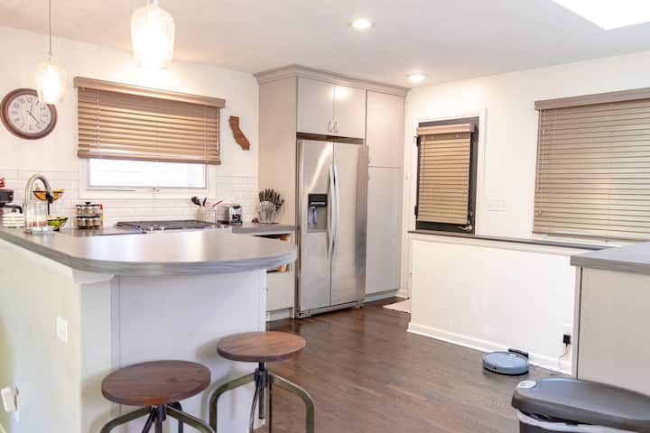 Renovated 3BR 2.5B w/finished basement by stadium!