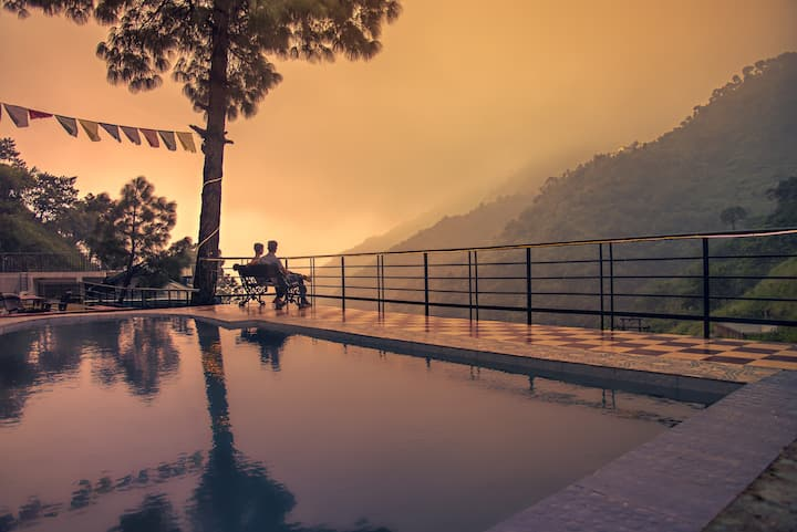 Waterfall | Pool | Pine trees | Misty View