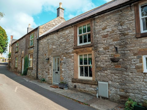 Cosy Beamed  Stone Cottage - Youlgreave