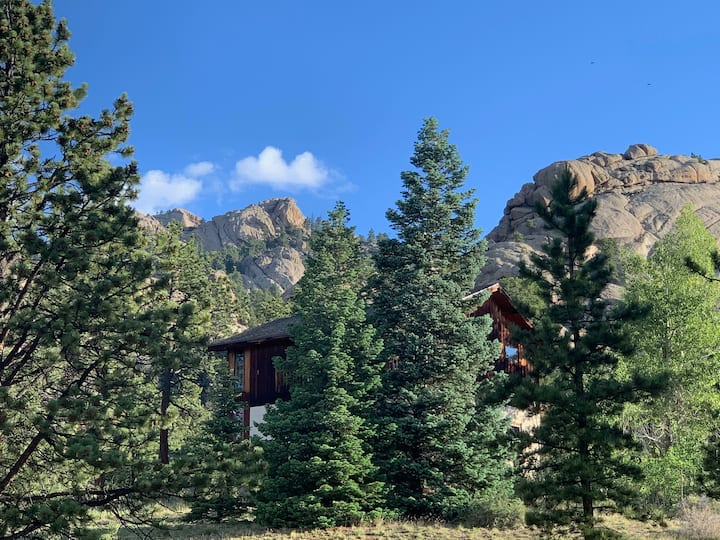 The Chalet at Devils Gulch adjacent to RMNP.