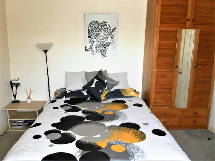 Spacious Queen Rm / Stylish Home Vibrant Rosebery