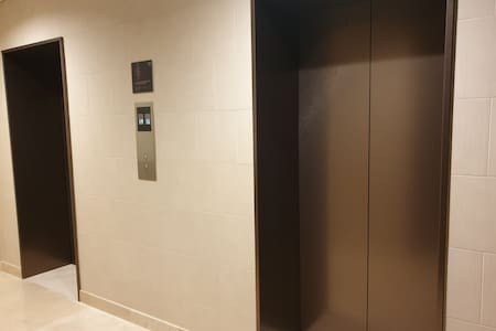 2 private elevators dedicated only to the unit.