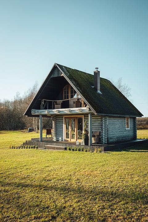 Hermosa campiña de madera casa de madera Skriveri