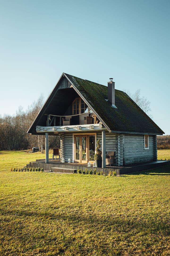 Beautifull Countryside Wooden Logg house Skriveri