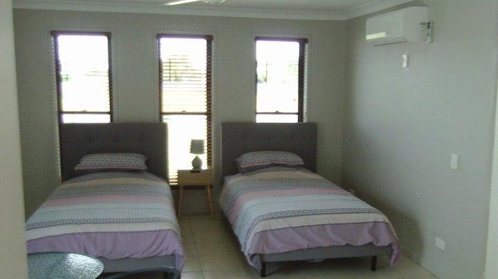 Relaxing coastal studio unit(Unit 1).