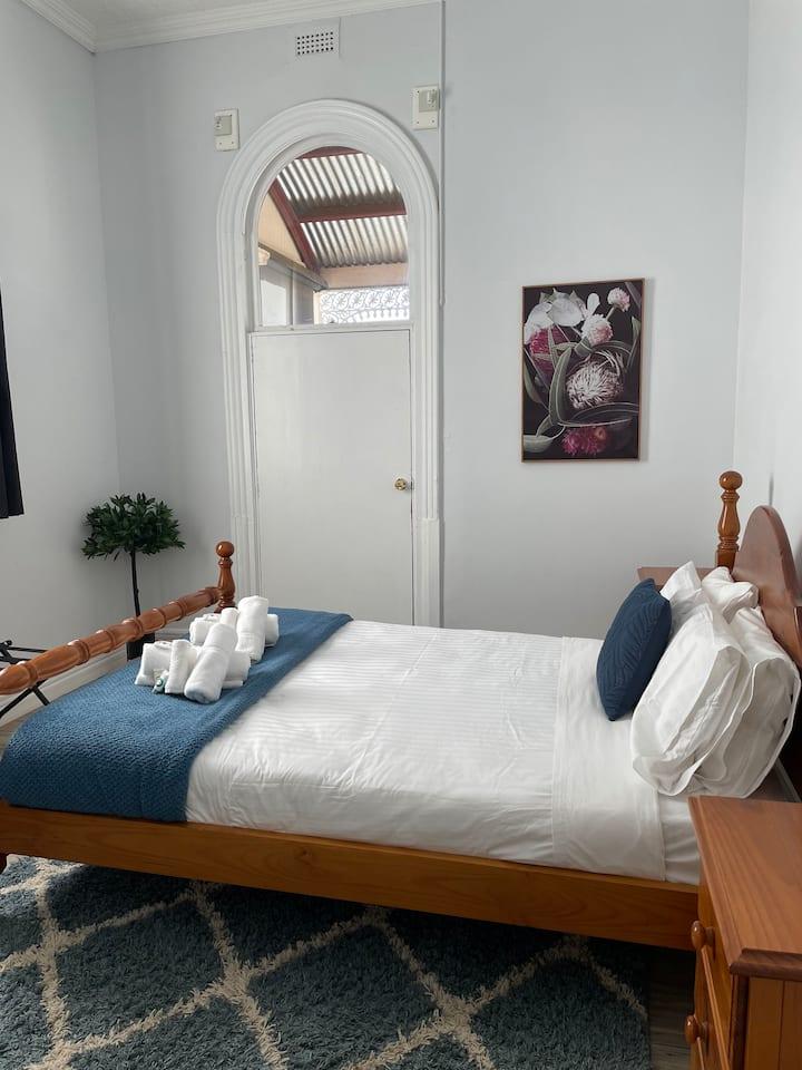 Room 1 at the classic Royal Hotel, Sea Lake