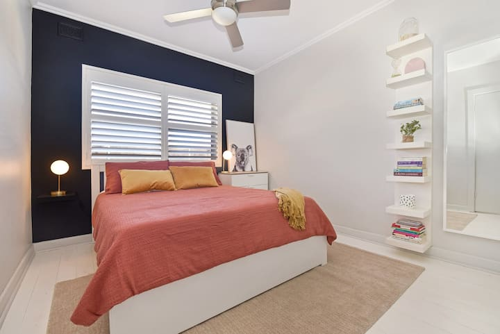 *Beachy¬Keen* Bright 1BR Apt Walk to Henley Square