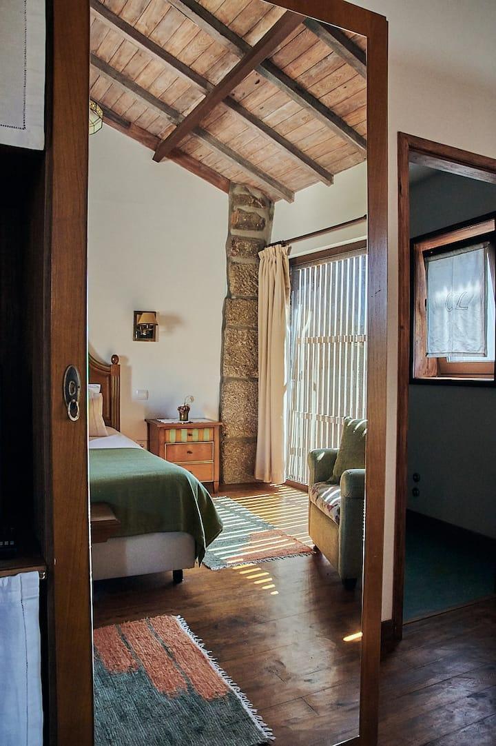 Casa de Louredo - rural tourism - Green room