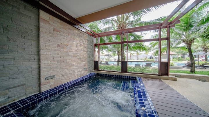 3 min to beach🌴 2 bedroom pool villa with jacuzzi