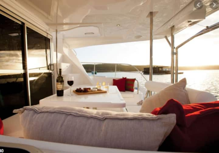 Luxury Sailing Catamaran in the Seychelles